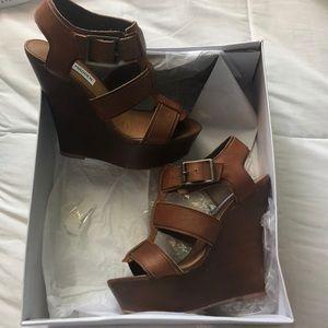 e5261e5e23b Steve Madden Shoes - Steve Madden Wanting Wedge Sandal Cognac Leather